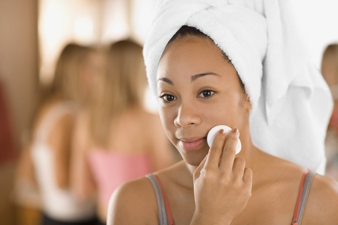 How to Use Cleansing Lotion