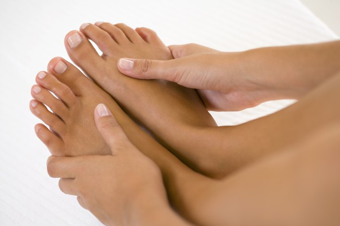 How to Stop Persistent Itching on the Foot