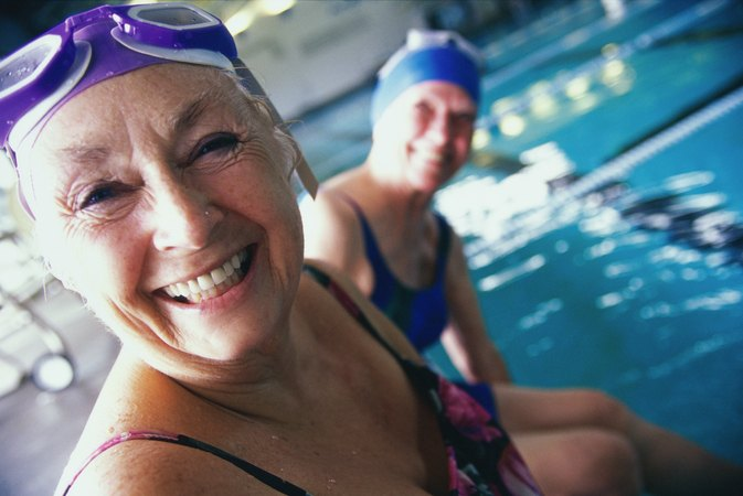 How long do you have to swim to lose weight livestrong com for How to lose weight in swimming pool