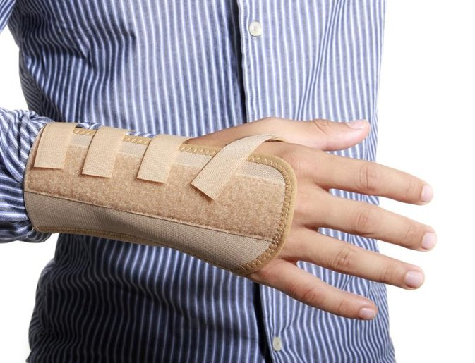 Pro & Cons of Carpal Tunnel Surgery