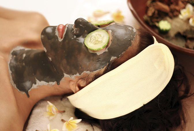 How to Make a Dead Sea Mud Mask
