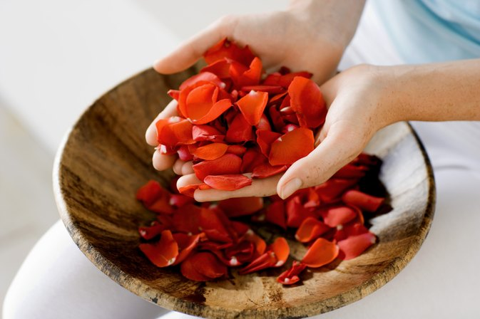 What are the benefits of eating rose petals livestrong com for Can you dye roses