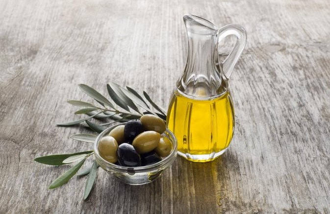 Ear Wax Removal Home Remedy: Olive Oil