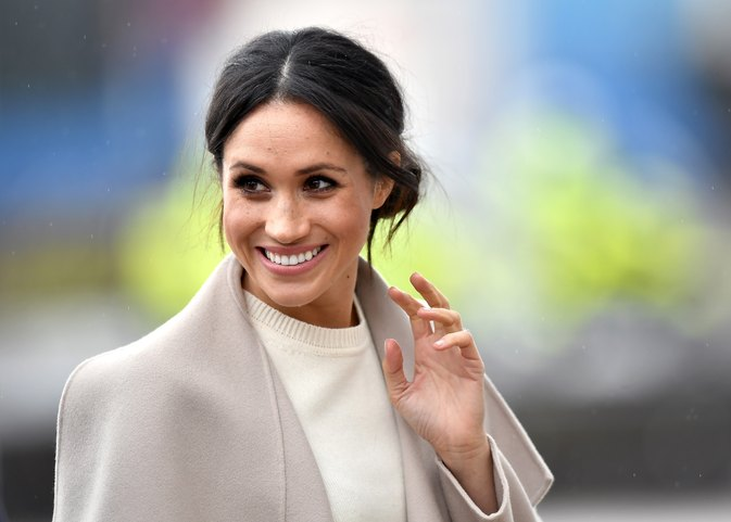 Meghan Markle represents Australian fashion at the CHOGM Forum in London