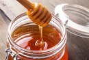 How to Substitute Honey for Sugar in Baking