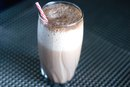 How to Make Your Own Homemade Shakes to Gain Weight