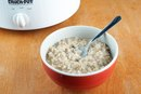 How to Cook Rolled Oats in a Crock-Pot