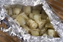 How to Bake Red Potatoes in an Aluminum Foil Packet for the Oven