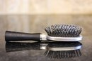How to Clean Hairbrushes in Vinegar