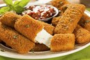 How to Cook Mozzarella Sticks in the Microwave