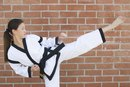 What Are the Differences in Karate, Kung Fu & Taekwondo?