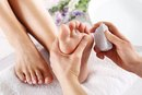 How to Treat Peeling Skin on Feet