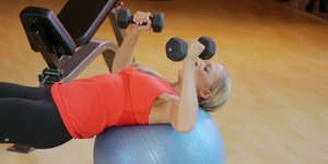 Women's Routines for Bench Press Weightliftin…