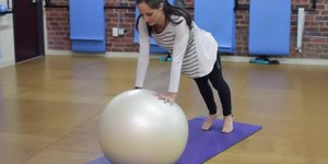 The Differences Between a Stability Ball & Yo…