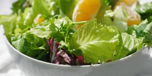14 Healthy and Out-of-the-Ordinary Salad Ingr…