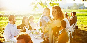 6 Healthy and Fun Ways to Celebrate Mother'…