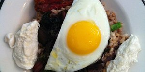 Put an Egg on It! 2 Hearty and Tasty Breakfas…