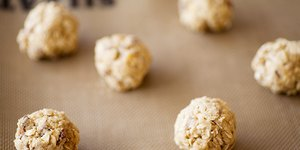 No-Bake Gluten-Free Energy Balls Recipe &#821…