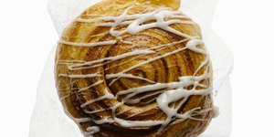 What's Really Inside a Cinnabon Classic Cinna…