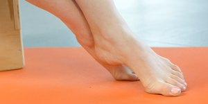 How to Stop Foot Pain With 7 Easy Exercises