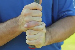 What Does the Interlocking Golf Grip Do?