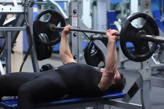 How to Increase Your Bench Press to 300 Pounds