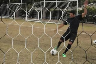 How to Do a Long Kick in Soccer