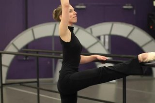 What Are the Types of Stretching in a Ballet Class?