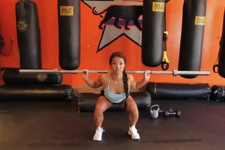 Proper Squat Form to Avoid a Shoulder Injury