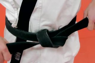 How to Tie an American Dojo Belt