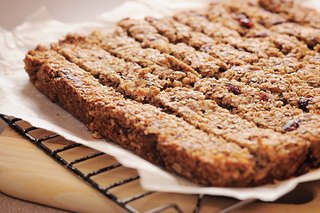 5 Ways to Make Your Own Energy Bars