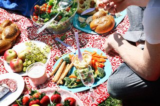 Food Swaps, Tips & Tricks for a Healthy Picnic