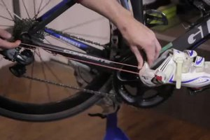 How to Rubber Band Your Triathlon Shoes to Your Bike