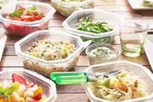 5 Easy-to-Pack Lunches Under 500 Calories (That Cost $8…
