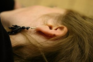 How to Use Peroxide for Soothing an Ear Ache