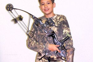 How to Replace Compound Bow String