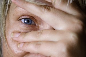 Causes of Chronic Puffiness Under the Eyes