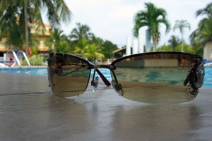 Photochromic Vs. Polarized Sunglasses