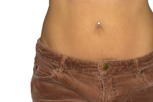 How to Remove the Scar From a Tummy Tuck