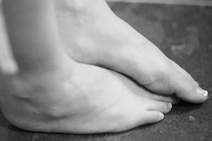 How to Get Relief From Foot Pain Caused by Standing 10 …