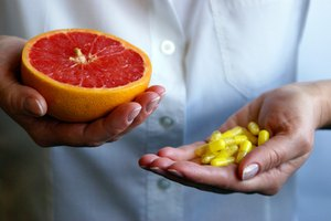 What Foods Are High in Vitamins C & E & Beta-Carotene?