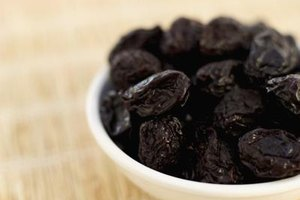 What Are the Benefits of Dried Plums?
