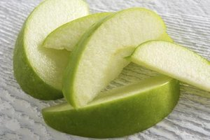How to Cook Apple Slices in the Microwave