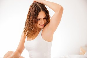 3 Ways to Heal Fungal Infections in the Armpit
