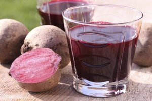 What Are the Benefits of Drinking Beetroot Juice?