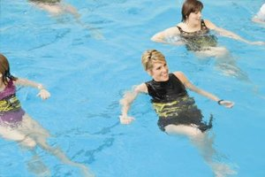 A List of Different Water Aerobics Exercises to Help Yo…