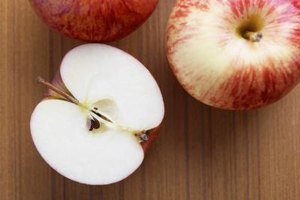 How to Tell if an Apple Is Still Good to Eat?