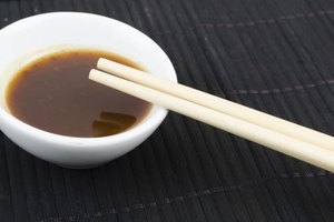 How to Substitute Sesame Oil for Hoisin Sauce