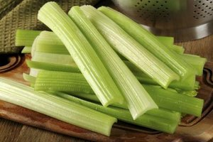 How to Eat Celery & Lose Weight