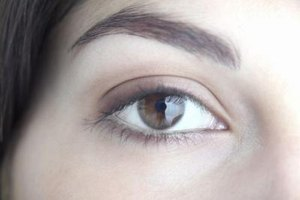 How to Regrow Eyelashes & Eyebrows